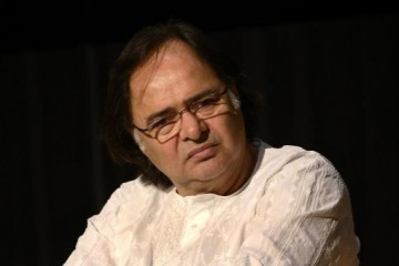 Farooq Sheikh_Bollywoodirect_Actor_Wallpaper_Large Image-Filmography-Songs-Movies-Films-Watch-Online-Free-Family-Rare-Unseen-Photos-Videos