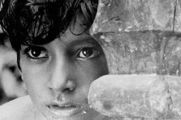 pather_panchali_durg_kids_Bollywoodirect_Satyajit Ray