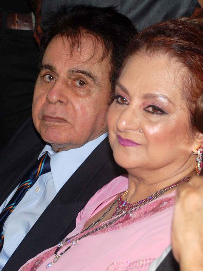Rare photos saira banu bollywoodirect for Saira banu granddaughter