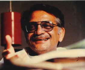 Gulzar- Rare Photo-Vintage-Old-Pics-Bollywoodirect-Daughter-Wife-family-Poetry-Poem