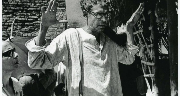 ritwik-ghatak-article-documentary-rare photo-video-interview-films-movies-bollywoodirect-family