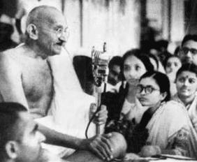 Suno Suno Duniya Walo Bapu Ki Ye Amar Kahani-Husnlal Bhagatram-Rajinder Krishan-Mohammed Rafi-Video-Song-Bhajan-Bollywoodirect