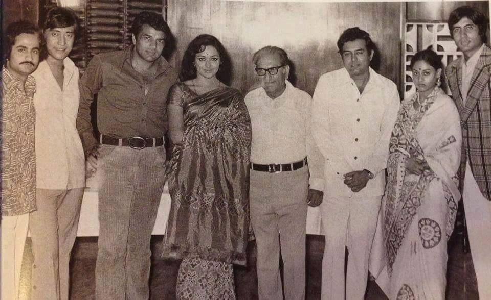 Danny-Sholay-Original Choice-With the team-Amitabh Bachchan-Rare-Old-Photo-Pic-Full Movie-Song-Dialogue-bollywoodirect