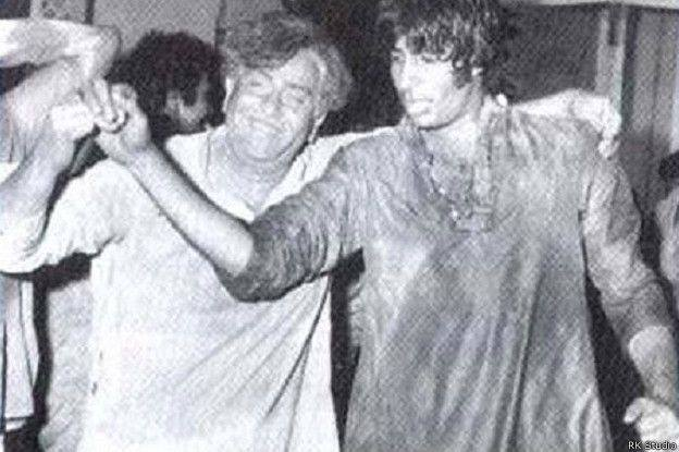 Holi At RK Studio-Shashi Kapoor-Raj Kapoor-Holi Celebration-Bollywood-Holi-Actor-Hero-Amitabh-Bachchan-Rekha-Rang-Barse-Heriones-Actress-Playing Holi