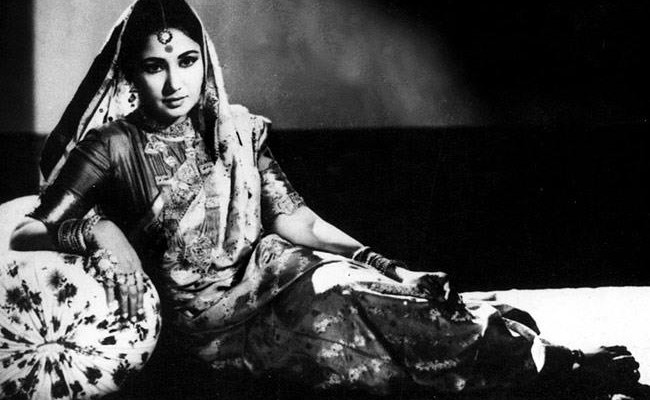 Meena Kumari_Mahjabeen Bano_Kamal Amrohi_Filmography_Biography_rare-unseen_photos_videos_songs_ghazal_sher_shaayari_poems_family_love_