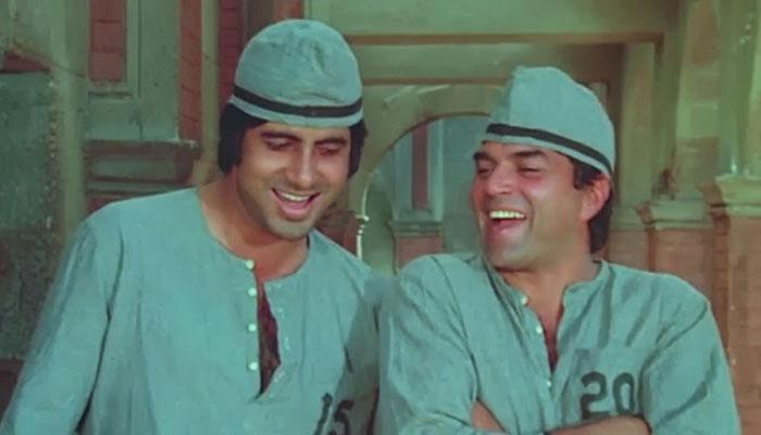 Amitabh Bachchan and Dharmendra - Bollywoodirect