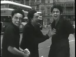 Ashok Kumar, Kishore Kumar and Anoop Kumar in 'Chalti Ka Naam Hai Gaadi'_Bollywoodirect_Dada Muni