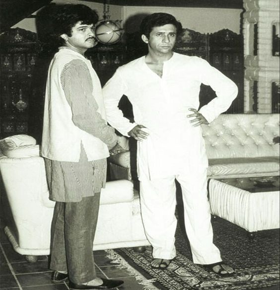 NASEERUDDIN SHAH-Theatre-Early Days-Young-Rare-Unseen-Vintage-Old-Picture-Photo-Bollywoodirect-