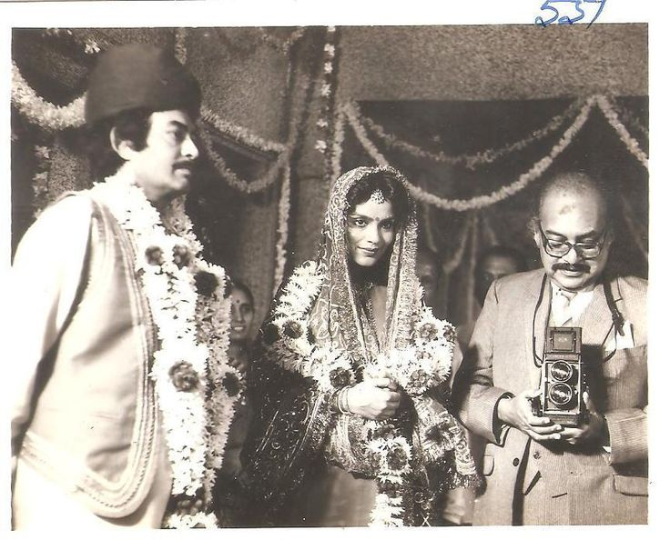 Utpal-Dutt_Rare Pic-Young-Theatre-English-Movie-Family-Vintage-Old-Bollywoodirect