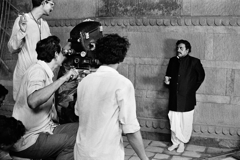 Utpal Dutt and Jaya Bhaduri in the Movie Guddi, Directed by Hrishikesh Mukherjee - 1971.jpg