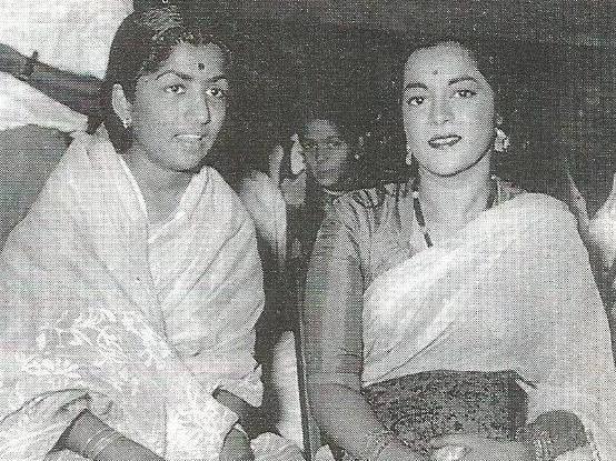 Lata Mangeshkar-rare-unseen-photos-interview-films-movies-filmography-family-bollywood-bollywoodirect