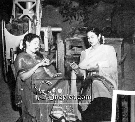 Nutan-rare-unseen-photos-interview-films-movies-filmography-family-bollywood-bollywoodirect
